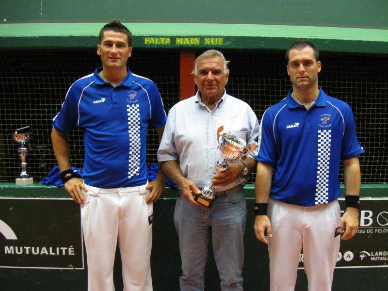 6 septembre 2009 vainqueurs Coupe d'Europe de gomme creuse à St Pé - 99.8ko