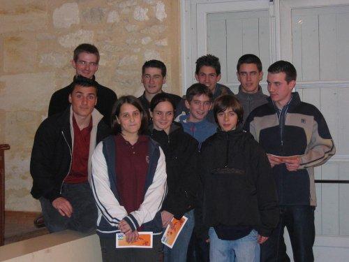 Les jeunes récompensés pour leurs excellents résultats - 33.6ko