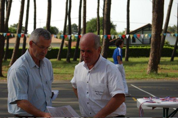 Hubert Trebucq le responsable de la commisssion technique et pédagogique et le Président de la Ligue Christian Labadie - 48.7ko