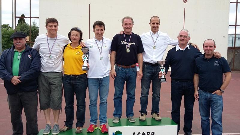 podium 2ème série hommes - 149.3ko