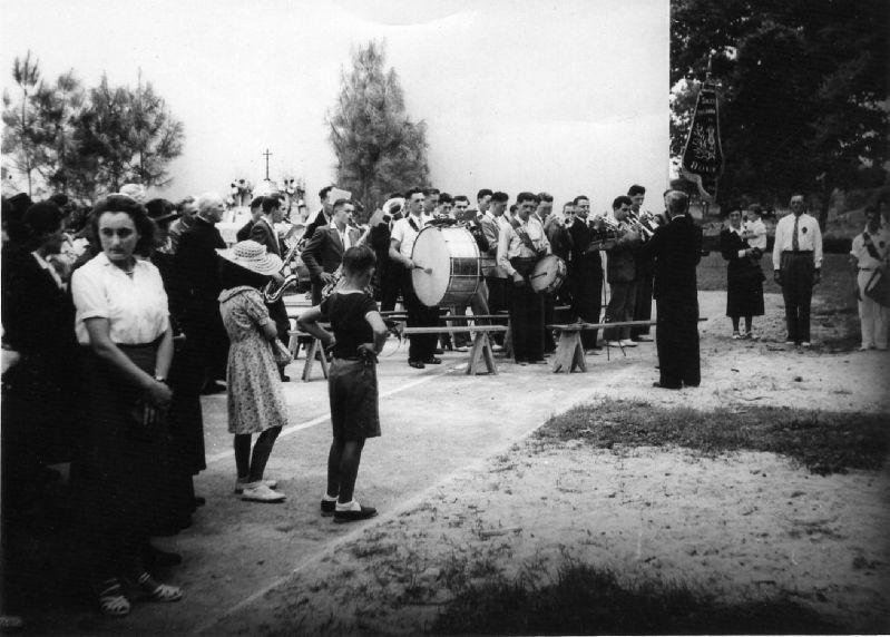 Inauguration du fronton Saint Isidore en 1951 - 75.6ko
